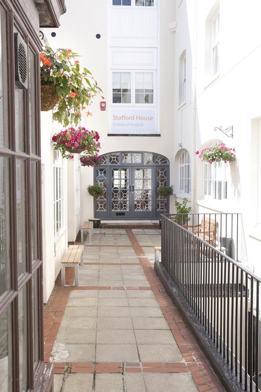 Stafford House International, Brighton